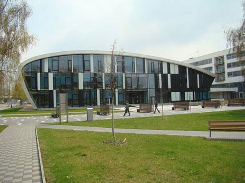 Charles University in Prague (Faculty of Medicine & Dentistry in Hradec Kralove)